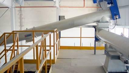 Heavy-duty tubular screw conveyors and feeders